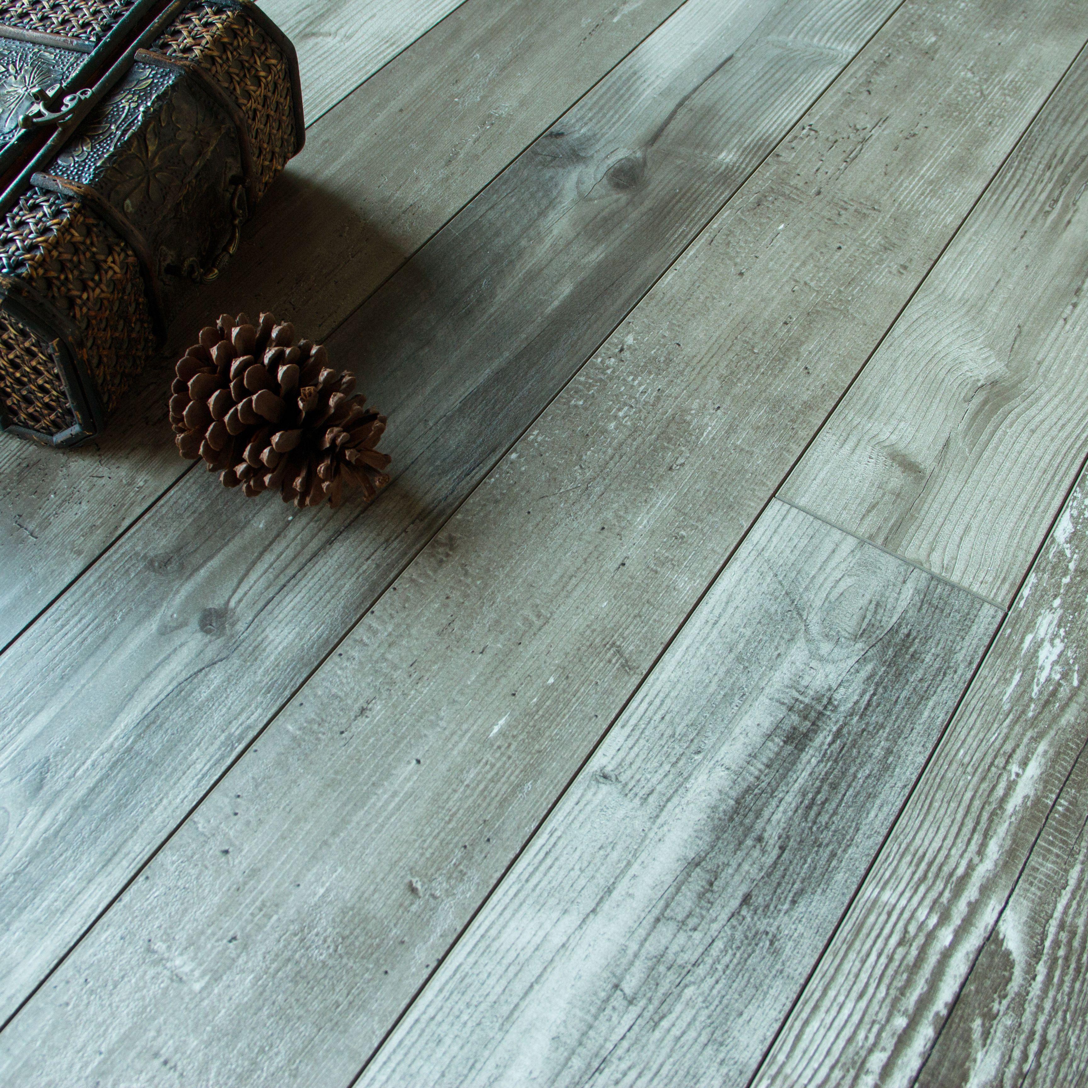 Imelda Driftwood Pine Effect Laminate Flooring 1216 M