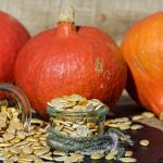 How to roast pumpkin seeds plates and pumpkins