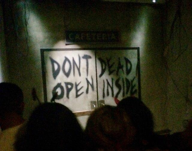 Walking Dead Entrance Universal Studios Halloween Horror Nights