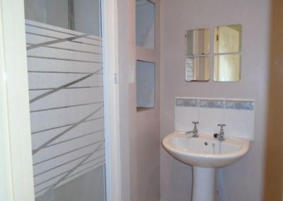 47 Brighton Grove - Bathroom