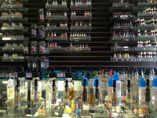 Liquid-Chicken-Smoke-Shop-Kingman-AZ-Businesses-KMM