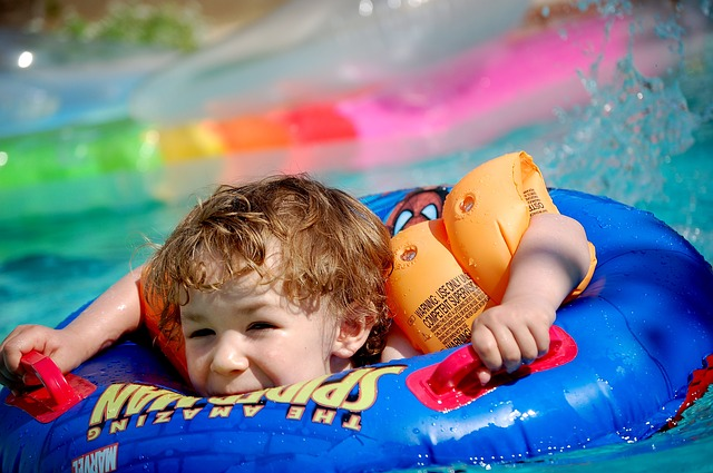 "Kingman Events – Float-In Movie ""Paddington"""