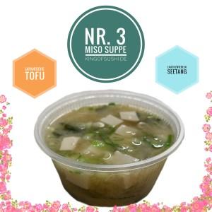 Miso Shiru mit Seetang, Tofuwürfeln und Frühlingszwiebeln