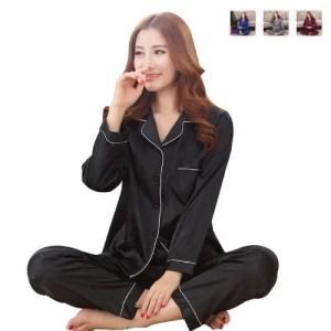 Naisten satiinipyjama