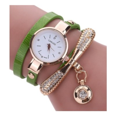 Naisten koristeltu kello