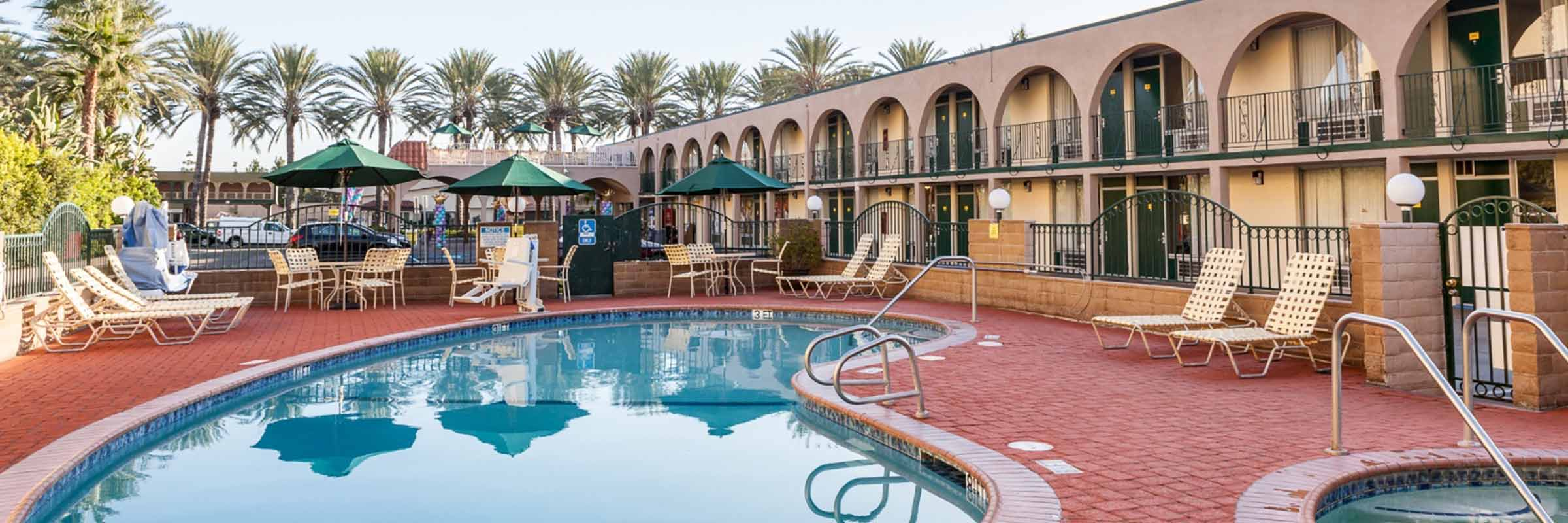 Hotels Near Disneyland With Hot Tub In Room