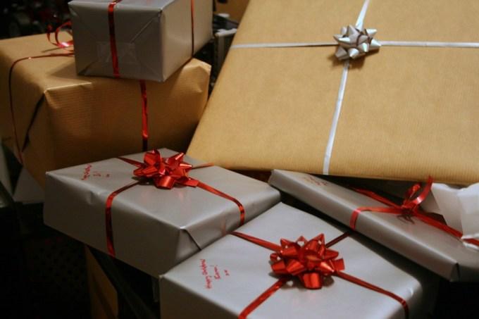 presents-1058800_960_720