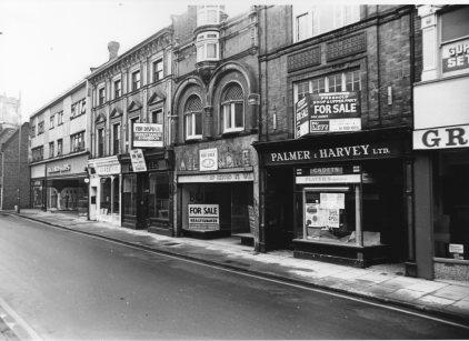 1972 (approx) vacant Palmer & Harvey @ No 112 Wigram & Ware @ No 114