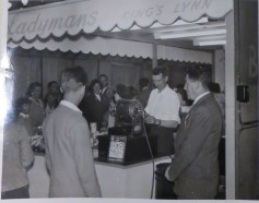 1958 KL Trdaes Exhib L Childerhouse (centre) B Tyrell (rt) Ladymans Archive (Ashley Bunkall) 0386