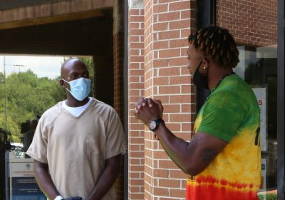 Lecrae supplies 70,000 Masks to Inmates and  Essential Workers
