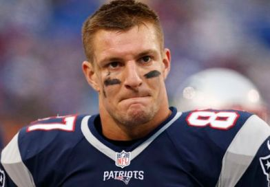 Twitter Is In A Frenzy Buzzing With Multiple Rumors Gronk Will Be Traded Later Today