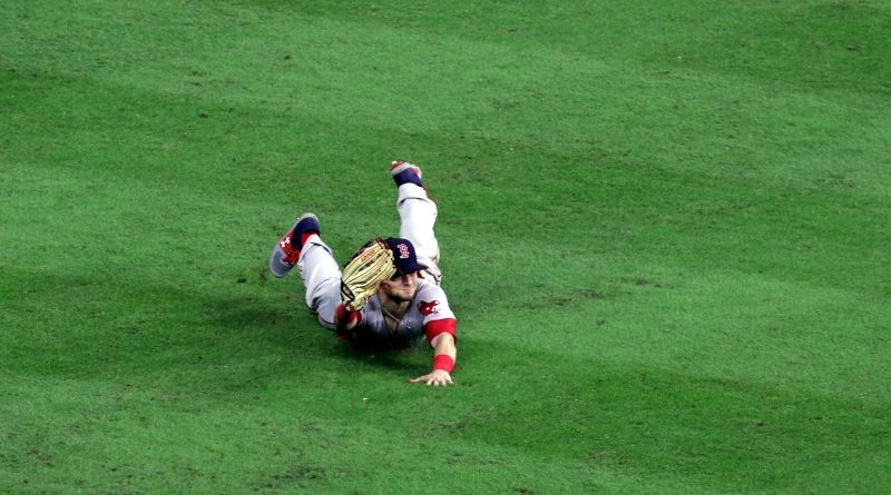 Legendary Red Sox broadcaster falls out of chair describing thrilling win