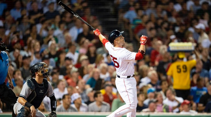 Red Sox Re-sign World Series Hero Steve Pearce