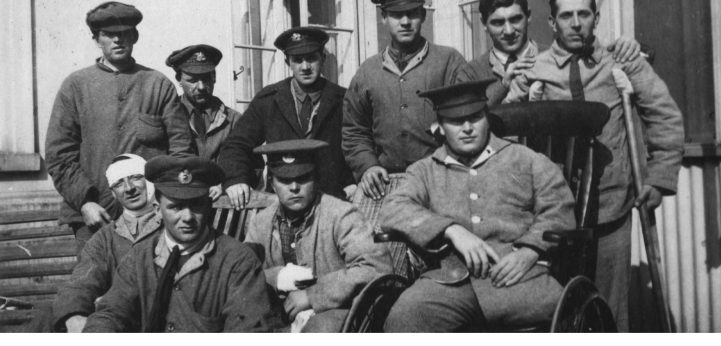 TWR-27-Soldiers-with-Wheelchair-3002_1