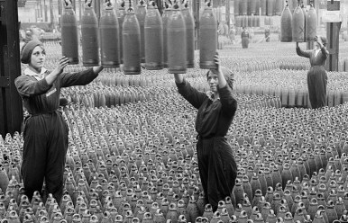 Image of Women inspecting bombshells during WWI