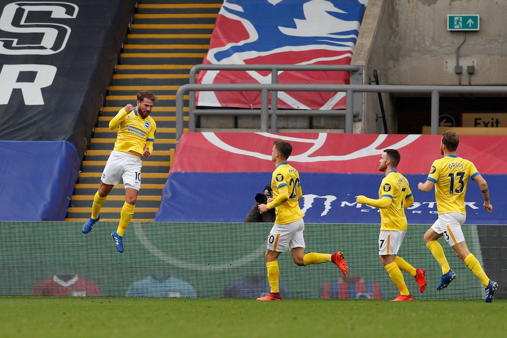 Football: Pragmatic Palace hang on for a point