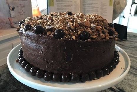 Chocolate Cake with Caramel .jpg