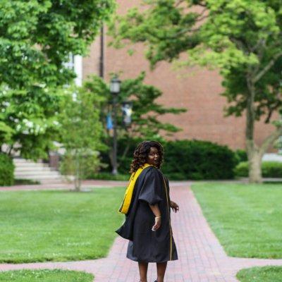 4 Reasons to Consider Grad School