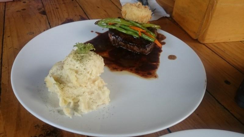 kuliner malang meat up beserta menu