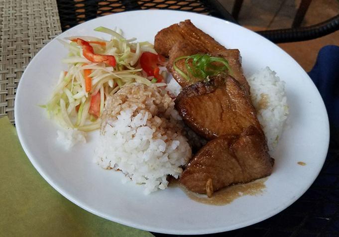 Uahi Island Grill(ウアヒ・アイランド・グリル)とは