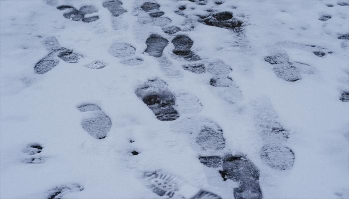 雪道 歩道 歩き方 雪