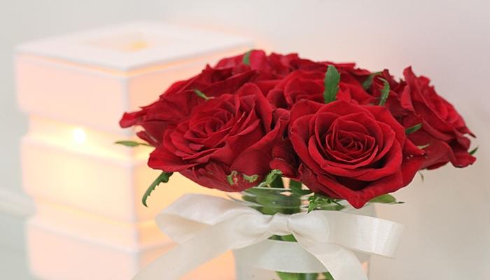 ホワイトデー サプライズプレゼント バラ