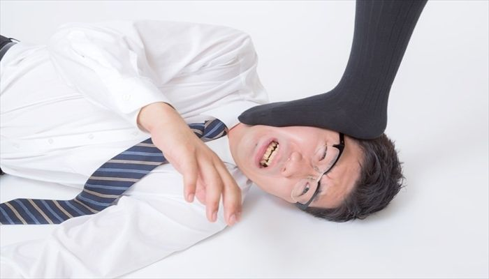 ズボンの裾 乾かし方 圧力をかける 体重をかける