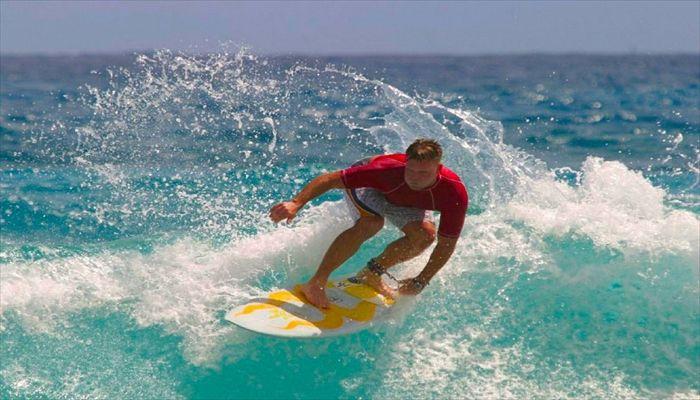 夏にすること サーフィン ボディーボード