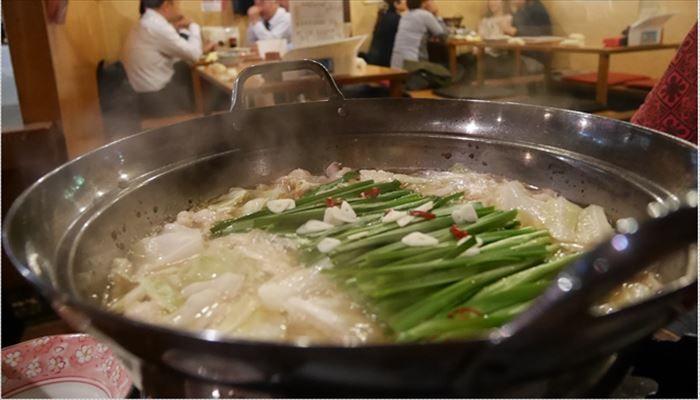 冬 料理 モツ鍋