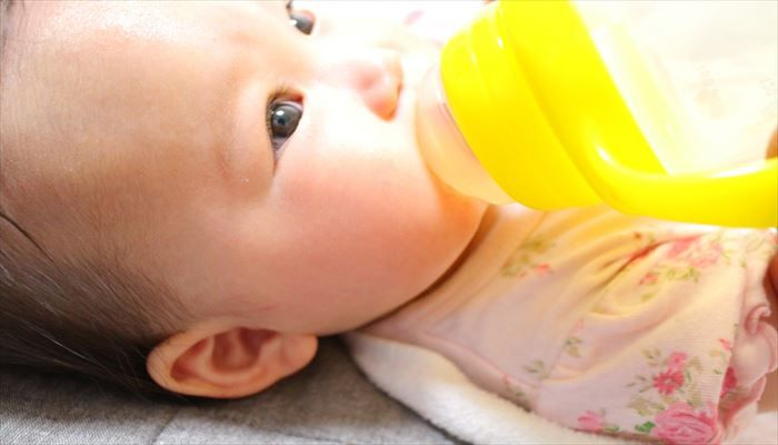 赤ちゃん 便秘 白湯