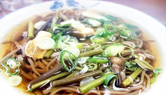 春 料理 山菜そば