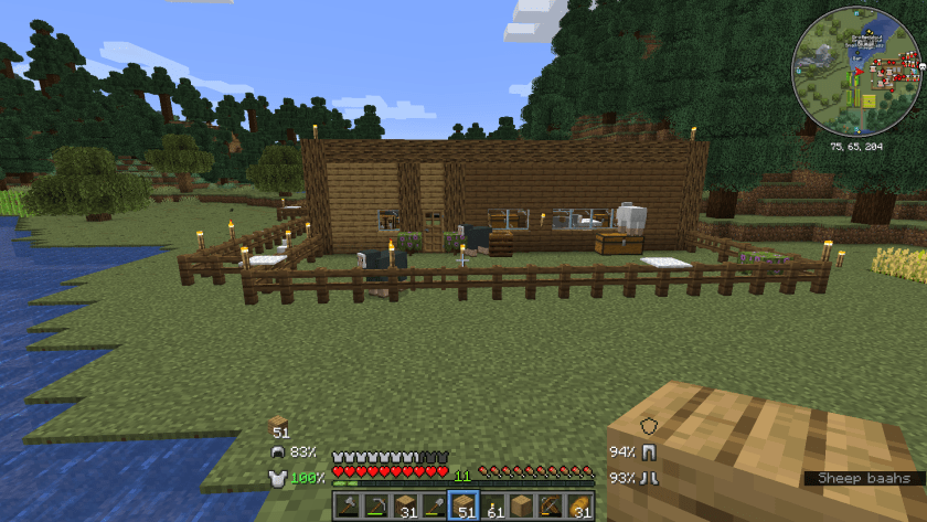 The front of the house as I've added the first floor extra height by 1 block, a row of oak logs.