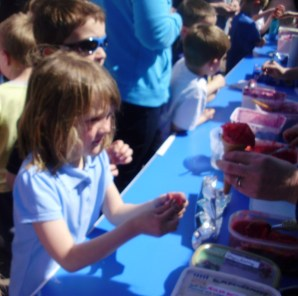 P6 Selling their own Fruit Sorbet