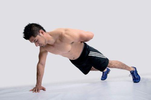 自宅でモテる筋肉を鍛え上げる 自重トレーニング編