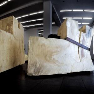 """Joseph Beuys – """"Unschlitt"""" (1977) 20 tons of tallow fat The Hamburger Bahnhof – Museum für Gegenwart – Berlin © Prosper Jerominus 2018"""