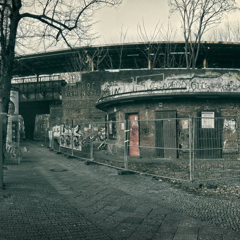 Project OFFSIDE - Wild at Siemensstadt Station Berlin #1