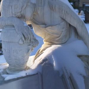 Warm light in snow Dorotheenstadt cemetery Berlin - color full