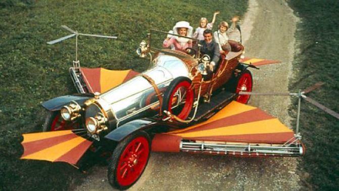 """Najdroższe rekwizyty filmowe - Latający samochód zfilmu """"Nasz cudowny samochodzik"""""""