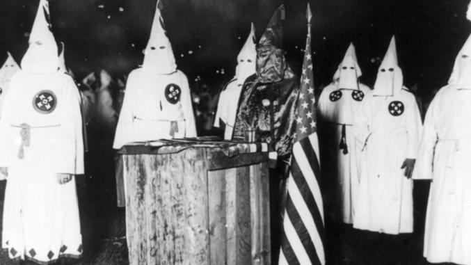 Druga generacja Ku Klux Klanu popremierze Narodzin Narodu