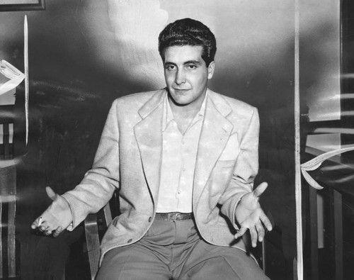 Johnny Stompanato narozprawie sądowej, 1949