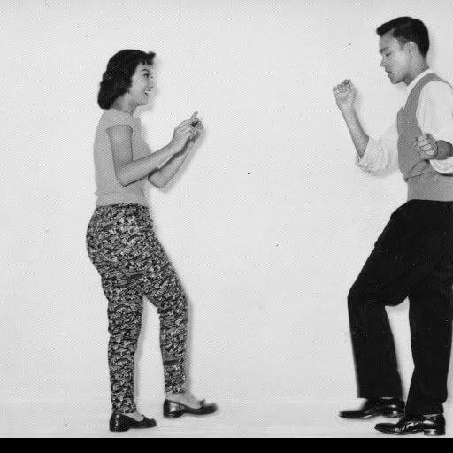 Bruce Lee iMargaret Leung podczas tańczenia cza-czy