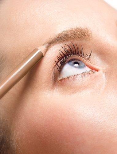 কিভাবে একটি পেন্সিল, পেইন্ট, হেনা সঙ্গে eyebrows করতে। ছবি, বাড়িতে নির্দেশাবলী