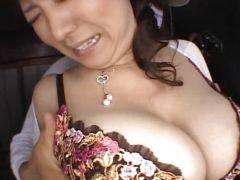 爆乳熟女が帰宅した時に強姦に襲われ縄で縛られおまんこをぐちょぐちょにされちゃう爆にゅう動画yu-tyubu おばさん