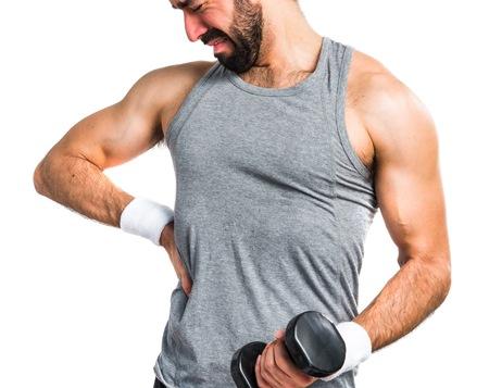 筋トレや他のスポーツで筋肉を痛めてしまった。長い期間続く痛みにはどう対処すれば良い?
