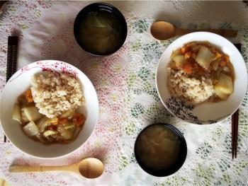 ★玄米ごはんと中華あんかけ、キャベツとわかめのお味噌汁