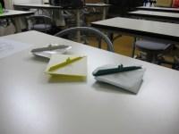 参加者が折った「潜水艦」 全て折り図とは異なる折り方をしている