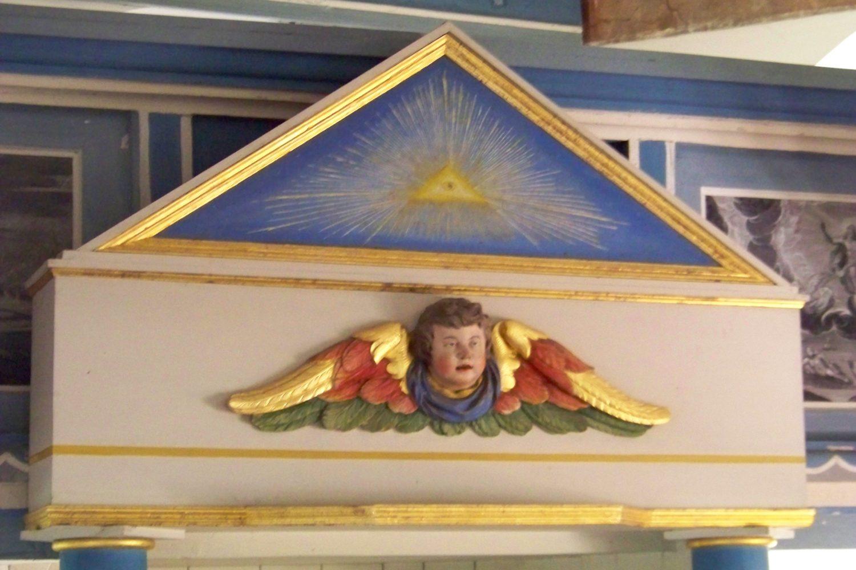 Altarbekrönung mit Engel