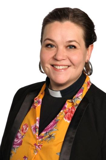 Henkilökuva Katri Vilénistä.