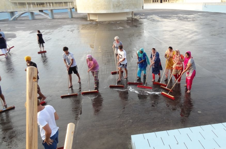 Scrubbing the Sarovar floor