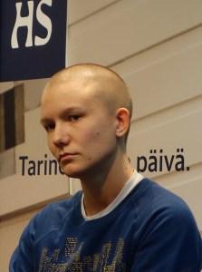 Reetta Pekkanen on kirjoittanut runokokoelman Pieniä kovia nuppuja